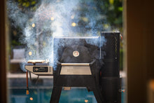 Load image into Gallery viewer, Masterbuilt Gravity Series 560 Digital Charcoal Grill & Smoker