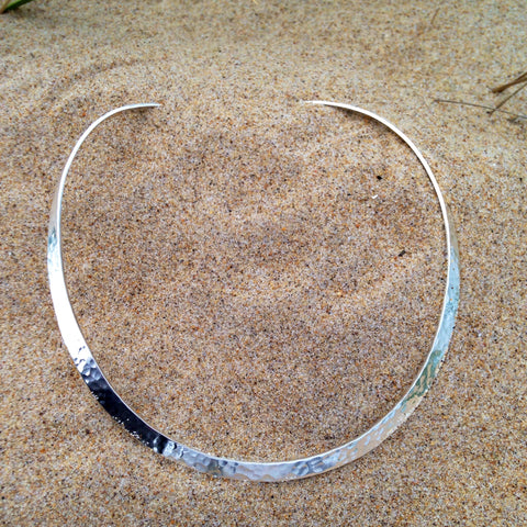 Hammered Power Choker Medium
