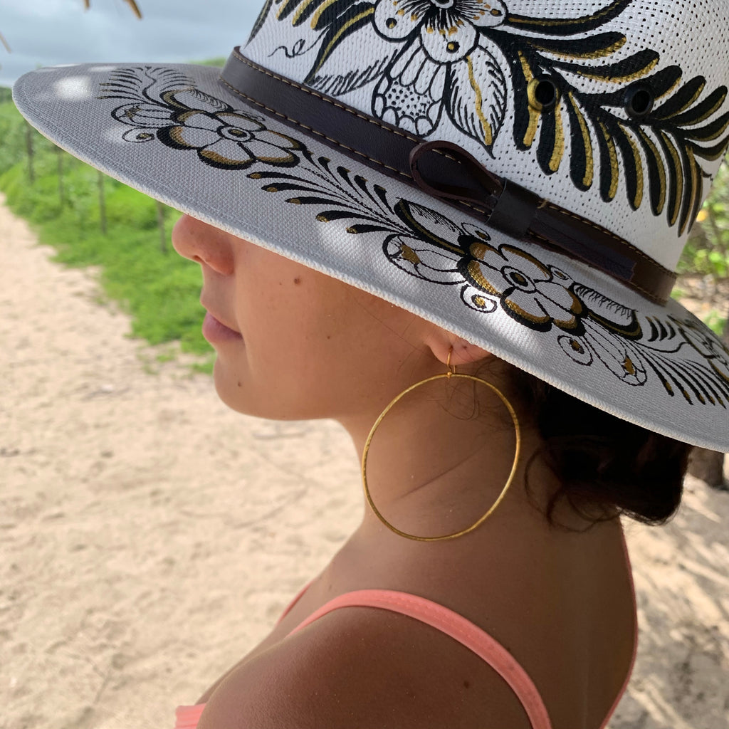 Sombrero White & Black/ Gold-Jenstones Jewelry