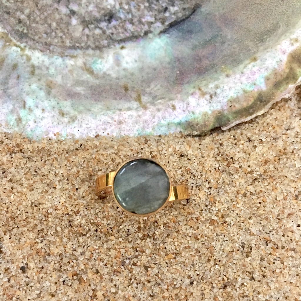 Ring Bronze with Moonstone