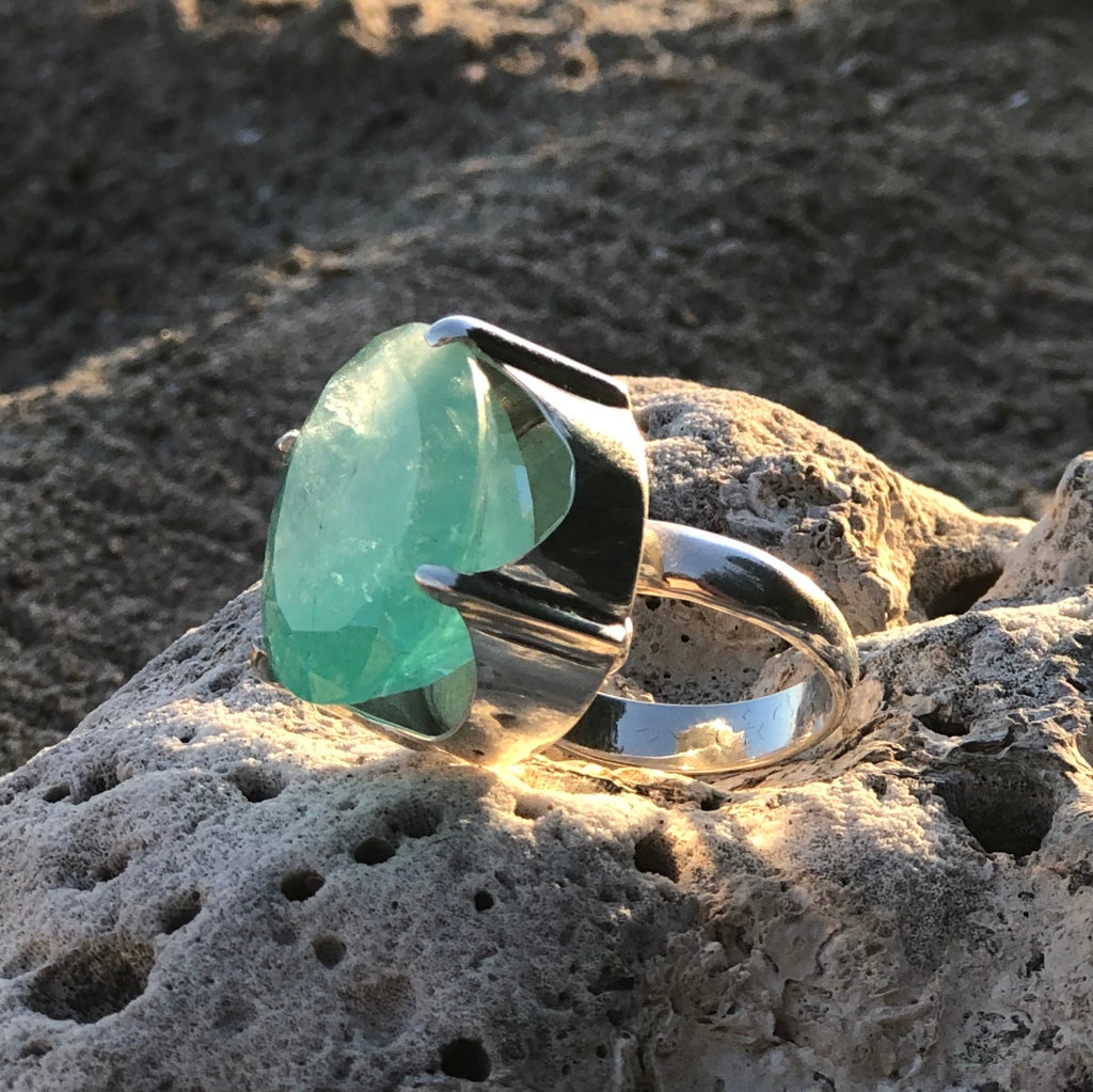 Emerald Love Ring-Jenstones Jewelry