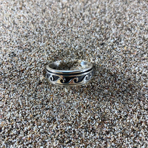 Rolling Wave Spinning Ring-Jenstones Jewelry