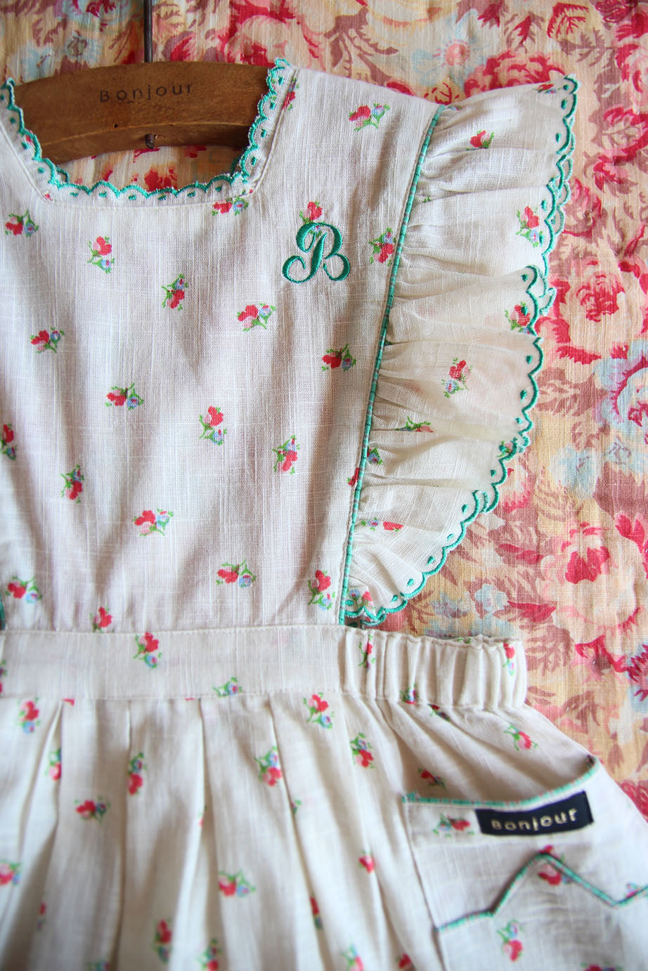Bonjour Apron Dress detail