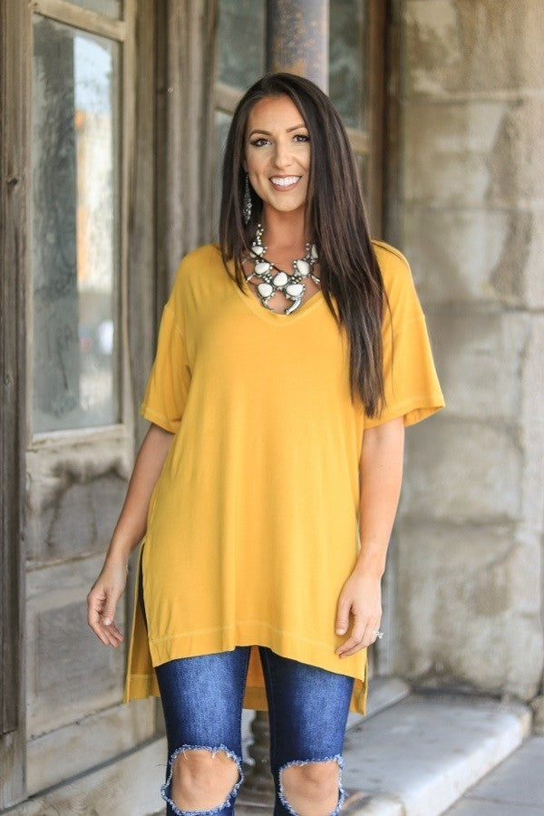 SOLID V-NECK HI-LOW TUNIC WITH SIDE SLIT