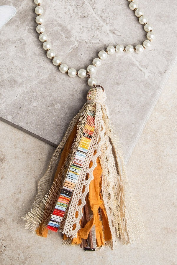 SERAPE PEARL TASSEL NECKLACE