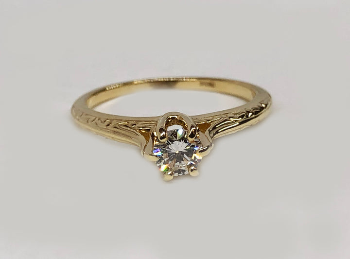 Vintage Engagement Diamond Ring 14 Karat Yellow Gold