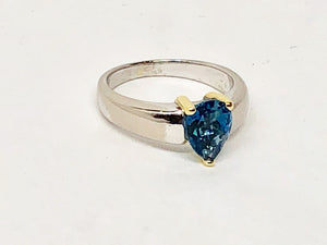 Blue Topaz Ring in 14 Karat Gold