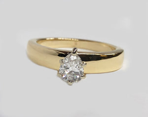 Pear Shape Engagement Diamond Ring 14 Karat