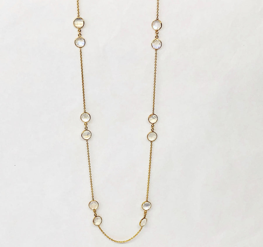 Moon Stone Nechlace in 18 Karat Yellow Gold