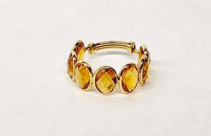 Citrine Expandable Ring in 18 Karat Yellow Gold