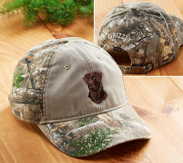 <I>Chocolate Lab Sporting Dog</i> Personalized Camo Cap