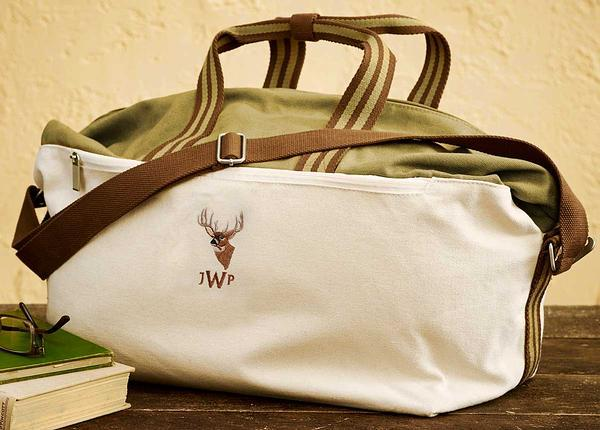 <I>Whitetail Deer</i> Personalized Weekender Bag