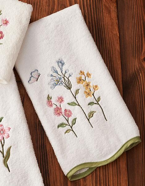 Country Prairie Bouquet Hand Towel