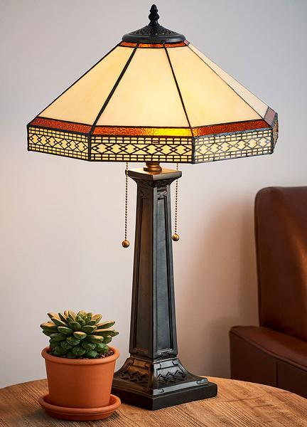 Classic Parlor Tiffany Table Lamp