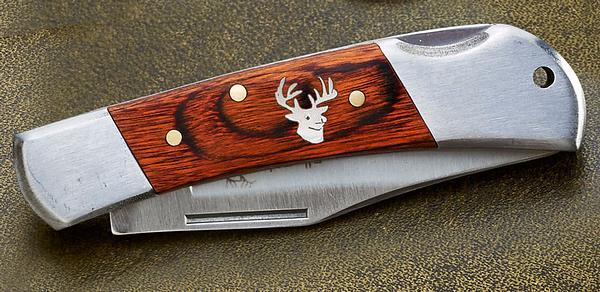 Whitetail Deer Pocket Knife