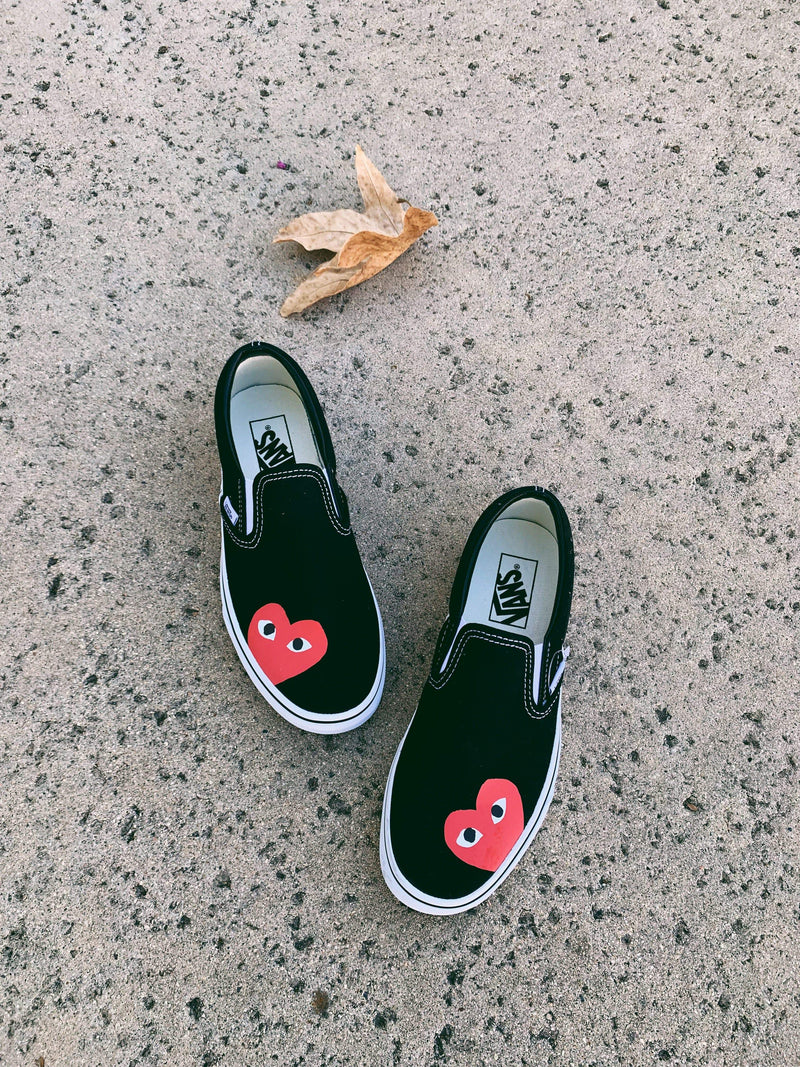 Red Heart Black Slip On - dripcreation