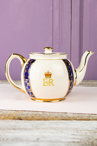 Vintage Queen Elizabeth II 1953 Coronation Tea Pot
