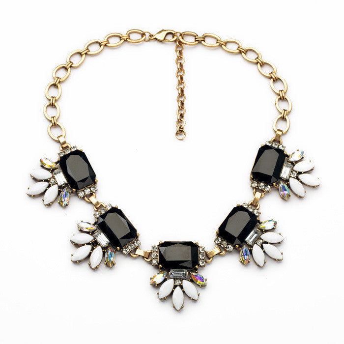 Cynthia - Black rectangle Necklace - Pink Pineapple Shop