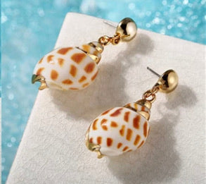 Natural shell and gold drop earrings