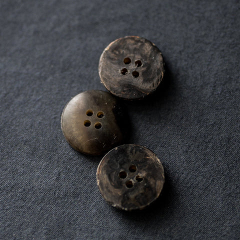 Recycled Resin Buttons / 20mm / Moorland