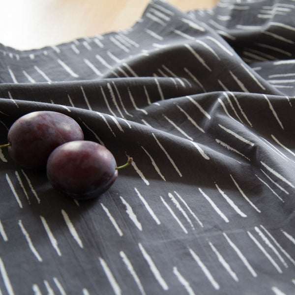 Chalk Cotton Cambric / Charcoal