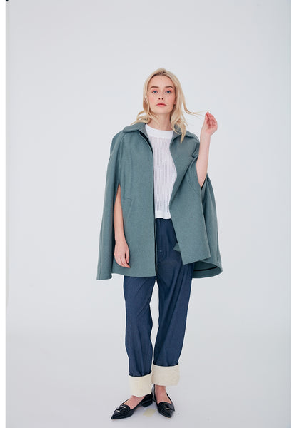 803 / Cape w Raglan Sleeves