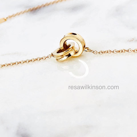 Interlocking Rings Necklace 14k Gold