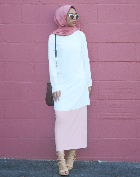 Modest White Top and Pink Skri