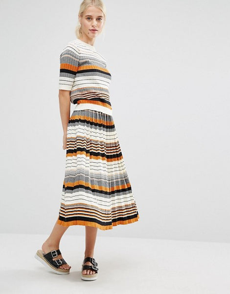 Modest Striped Style