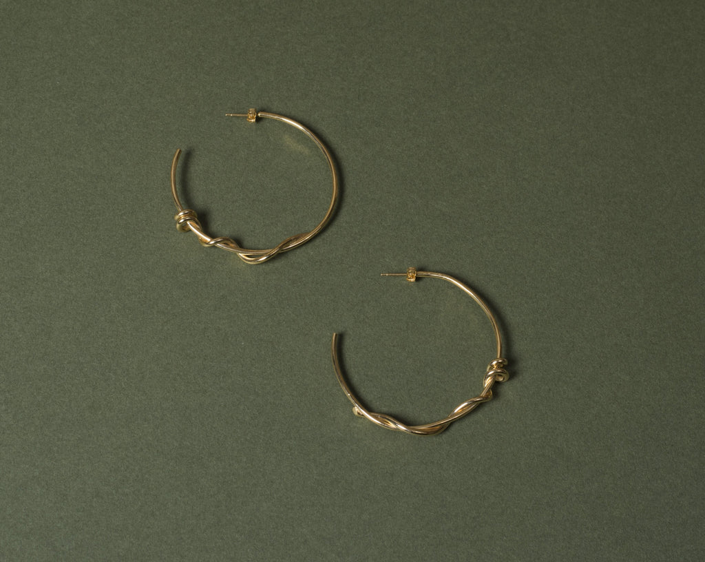Barbed wire hoops large