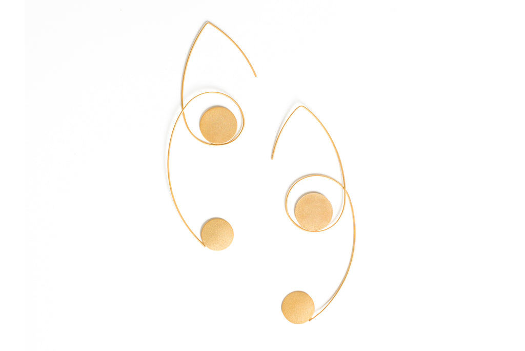Large Dots in Line earrings