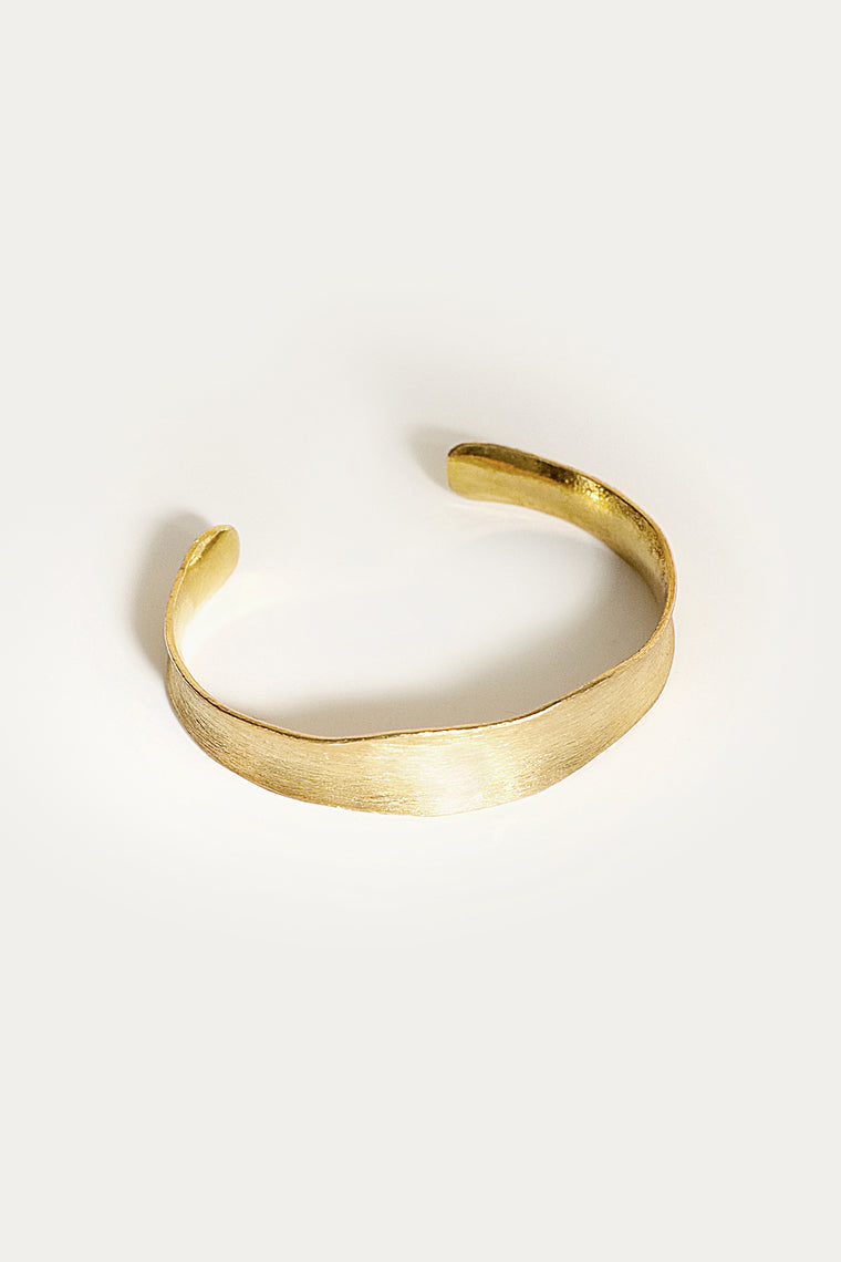 beaufortia cuff gold