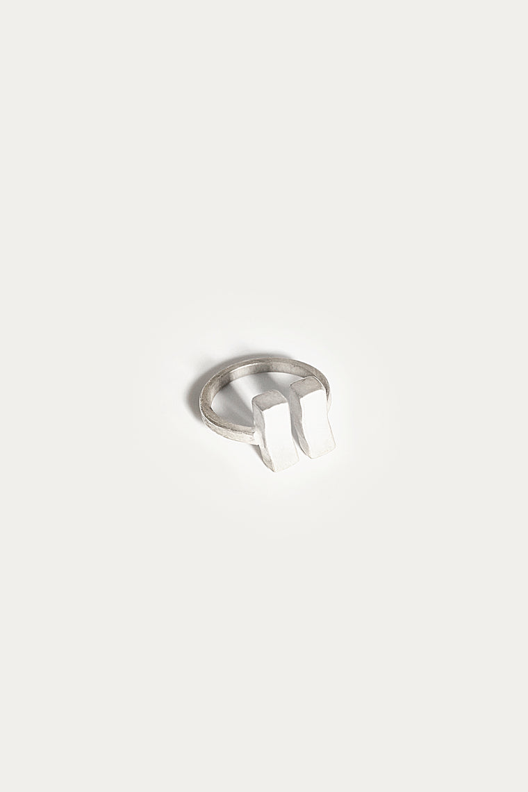 cordyline ring silver