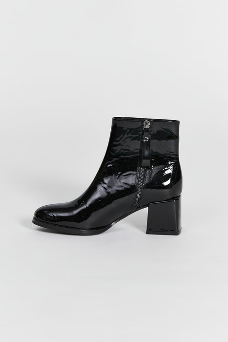 lago boot black