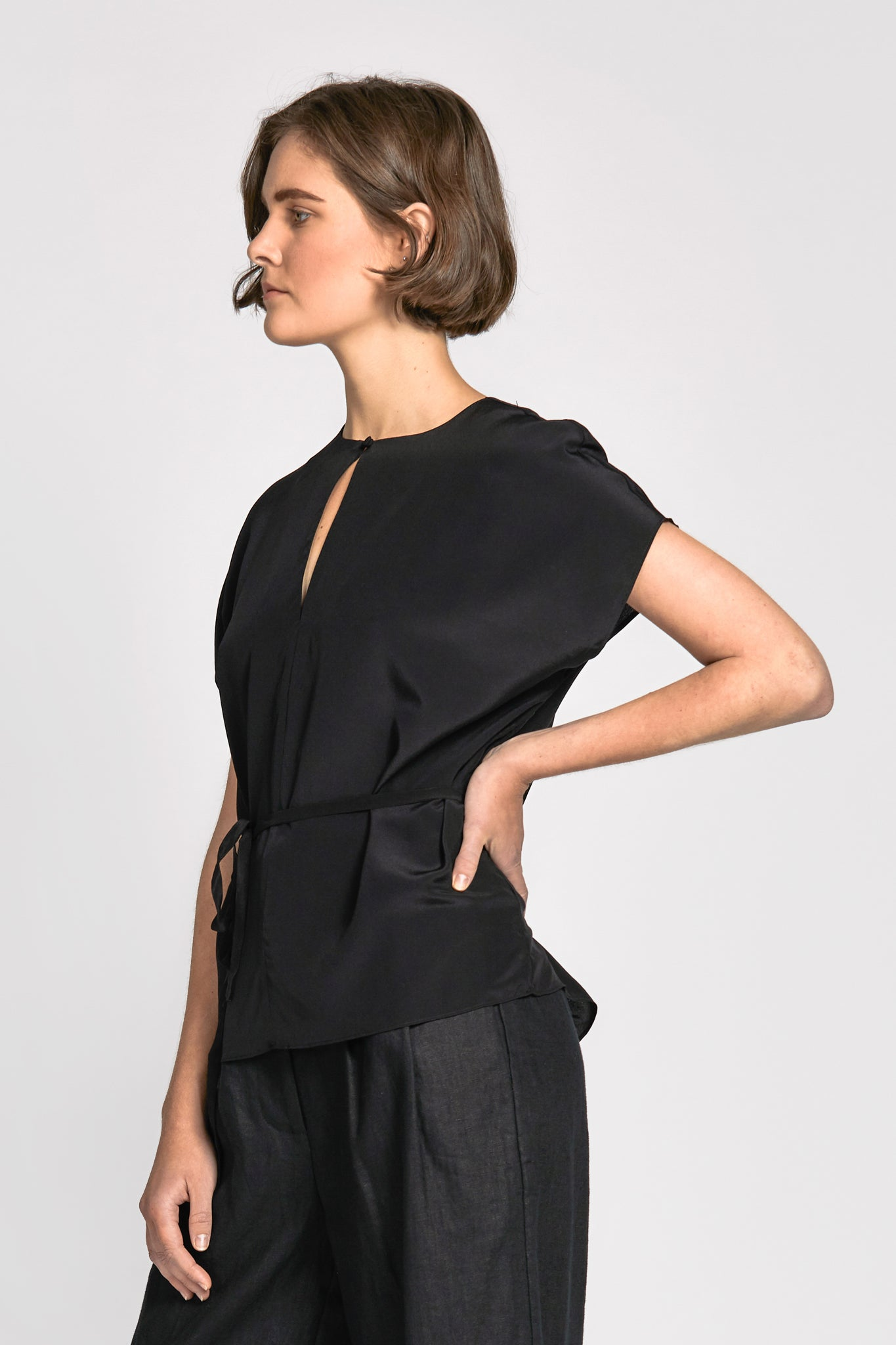 linh top black