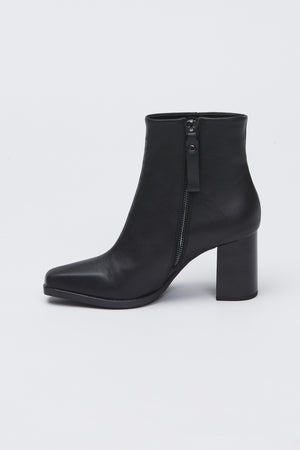 patinar boot black