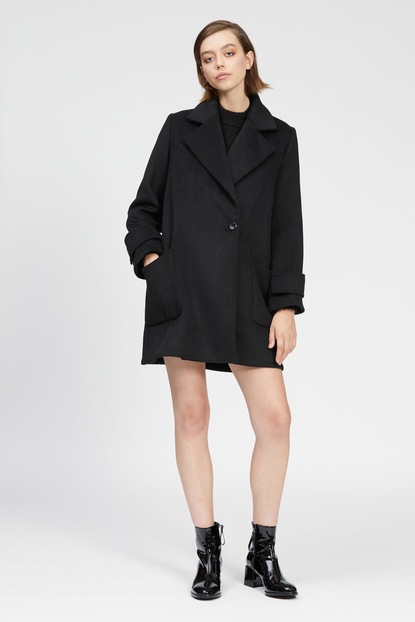 volpe coat black