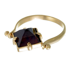 GARNET PYRAMID SWIVEL RING - GOLD