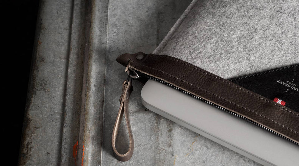 Hard Graft Macbook Pro Retina Zip Sleeve: Smoke