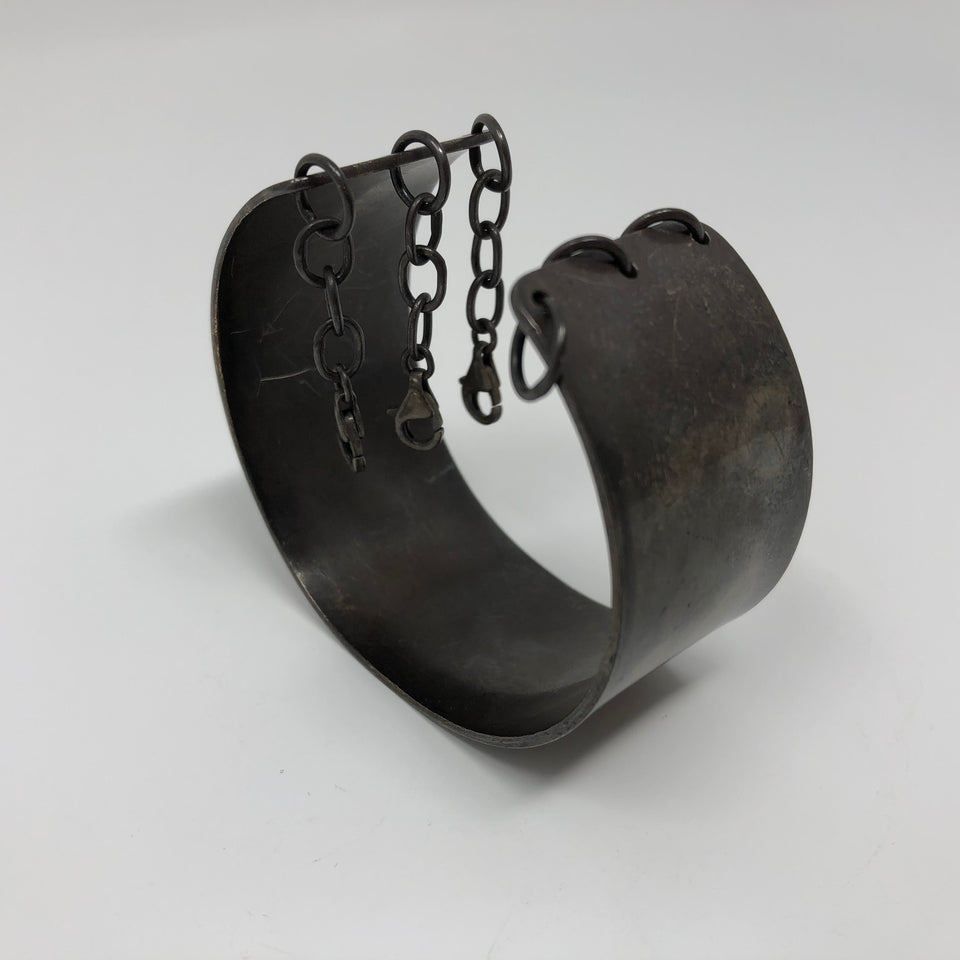 Henson Cuff with Chain
