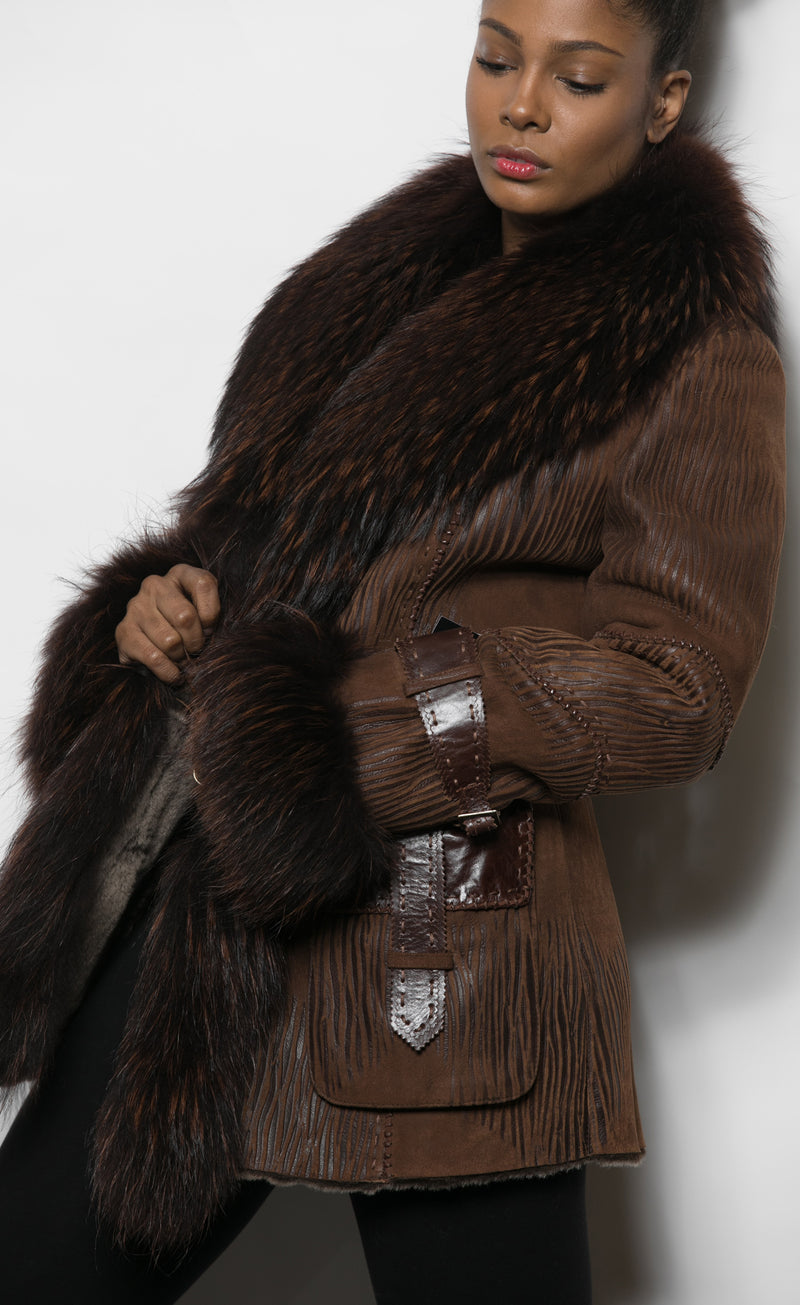 FUR Choc Shearling Jkt w Leather detail pocket Beaver Collar