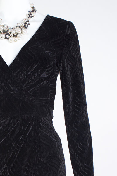 Long Sleeved Velvet Dress - Black