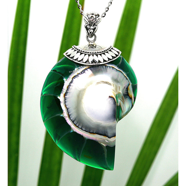 Green Natural Nautilus Pearl Shell Necklace