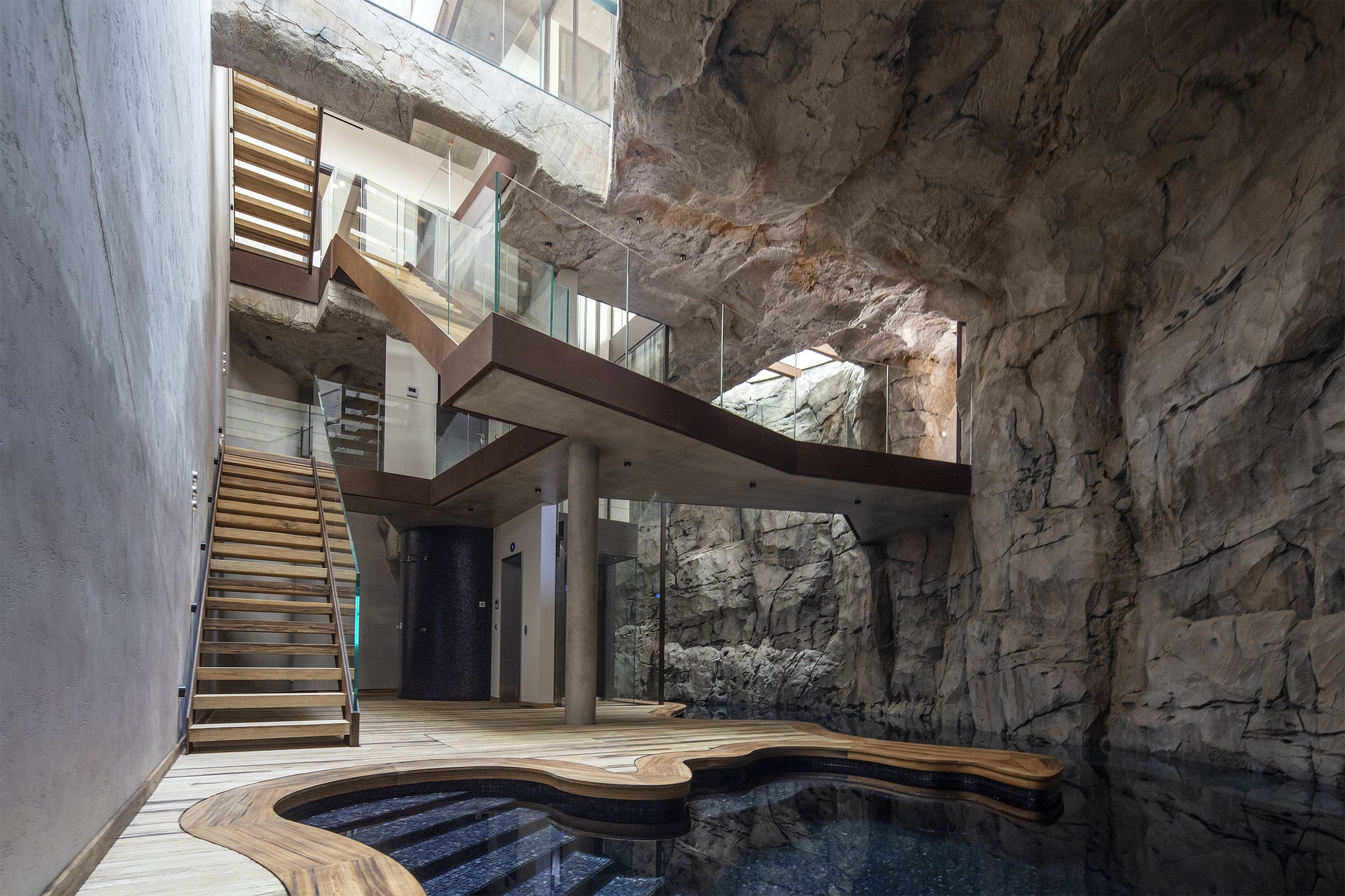 The Villa Troglodyte by Jean-Pierre Architecte is Rock Paradise