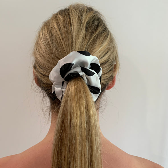Bec Scrunchie - White