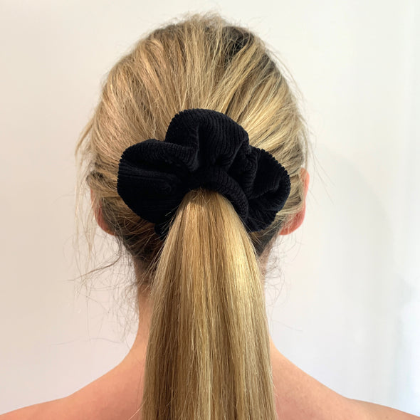 Cordelia Scrunchie - Black