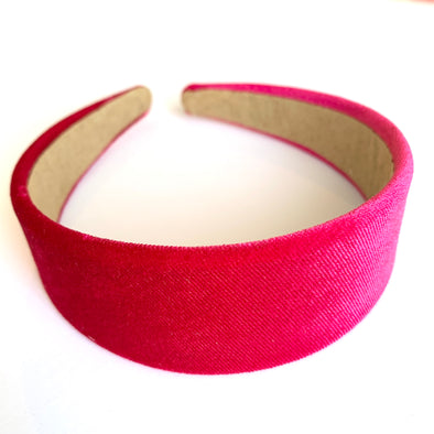 Gorgeous hot pink velvet headband that sits flat on the head  4cm at the widest part (sits at the top of the head)  Care: Use clean damp cloth  Imported