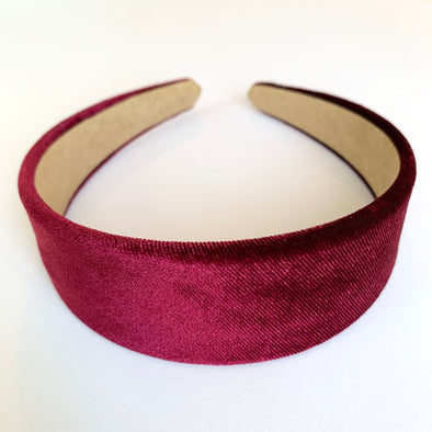 Gorgeous burgundy velvet headband that sits flat on the head  4cm at the widest part (sits at the top of the head)  Care: Use clean damp cloth  Imported