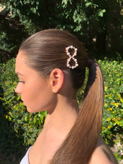 gorgeous infinity pearl hair clip on gold coloured clip