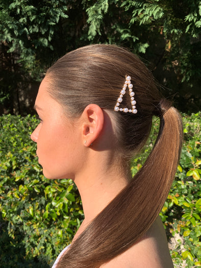gorgeous triangle shaped pearl hair clip on gold coloured clip